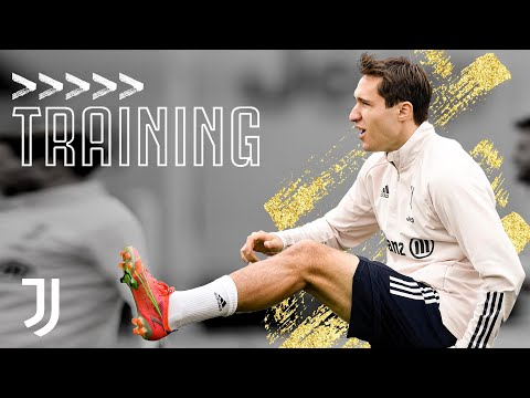 ? Power and Finesse Shooting Drills! | Friday Training at the JTC | Juventus